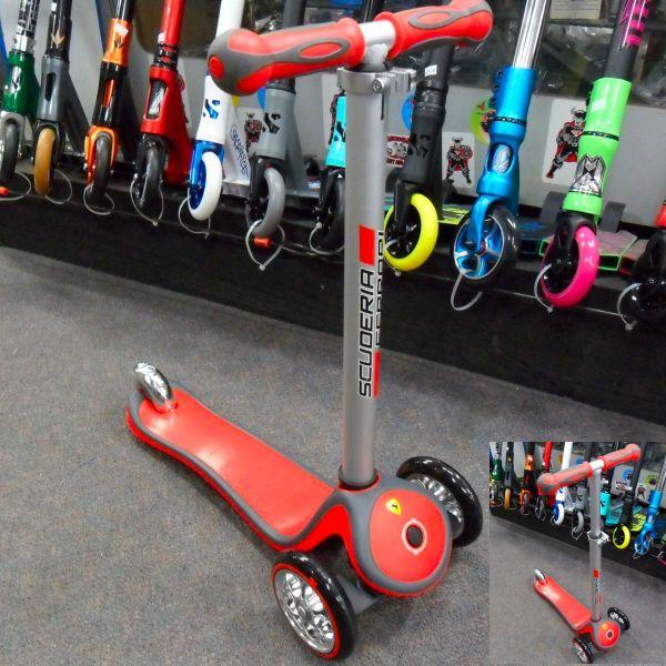 Globber Scuderia Ferrari Edition Mini Scooter